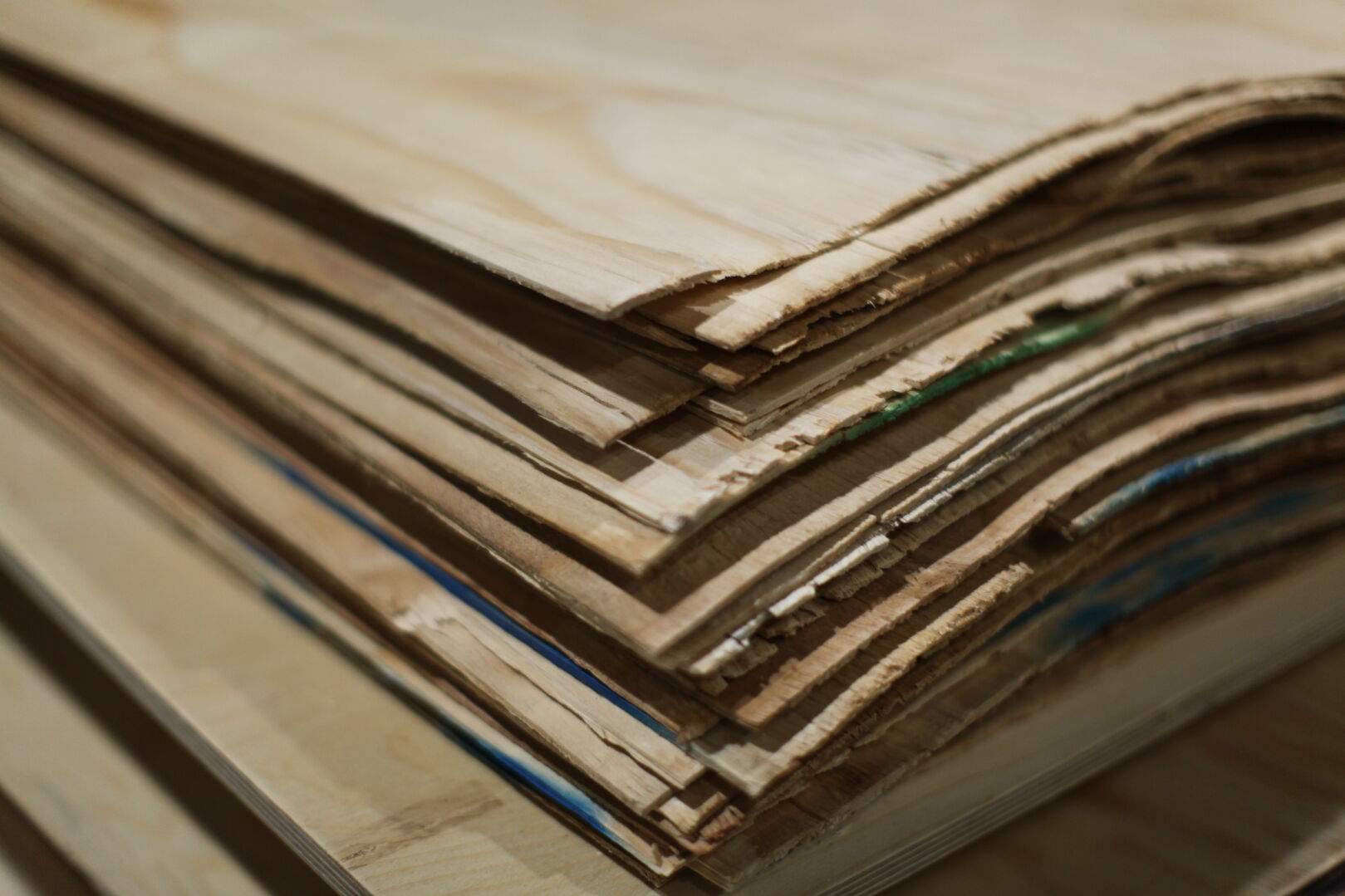 A veneer is a thin sheet of wood, peeled from the surface of a rotating timber log, akin to peeling an apple.